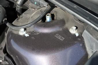2011款蒙迪欧致胜发动机舱