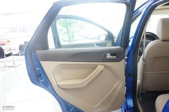 2011款福克斯两厢1.8自动时尚型内饰及细节