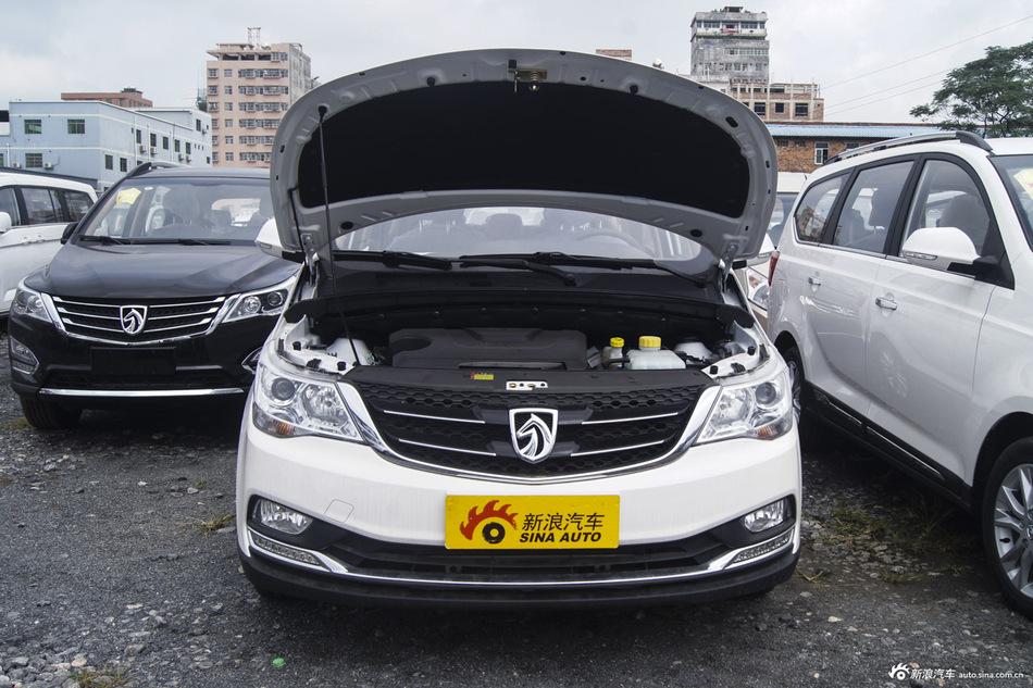 2016款宝骏730 1.5L手动豪华型7座