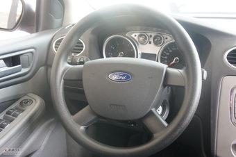2011款福克斯两厢1.8手动舒适型内饰