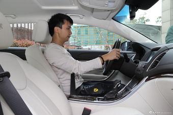2016款荣威e950 1.4T行政尊贵版