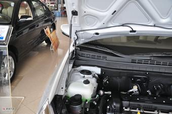 2011款北京现代悦动1.6L自动豪华型引擎
