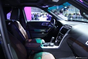 2014年第12届广州国际车展 图为:福特蒙迪欧际车展 图为:福特探险者